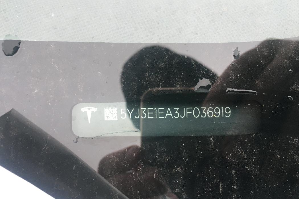 TESLA MODEL 3 Galinio bamperio Kairės pusės atšvaitas 1077406 5193753