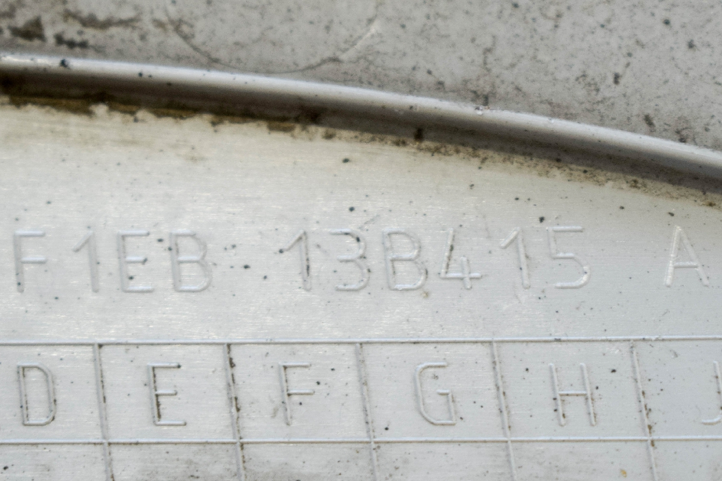 FORD FOCUS III Galinio bamperio Kairės pusės atšvaitas F1EB-13B415-A 5196689